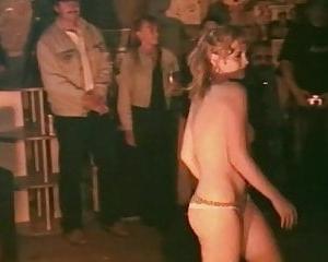 Sexy Susi und Freundin beim der Sex Party zerfickt