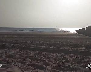 Gefickt Strand Blond Schwarz Die Mädchen 14