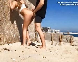 Am Nacktes Sex Bilder Strand hat Paar nackte fickende