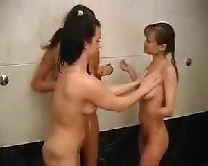 Nackt teens in der sauna Mixed nude