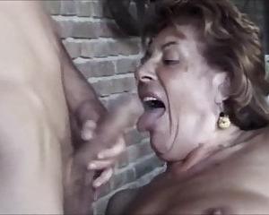Alt Schwarz Oma Gets Gefickt