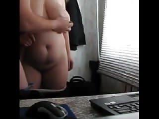 sex auf dem schreibtisch